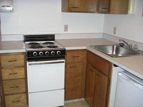 Briarwood studio 082011 kitchen