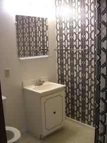 Briarwood studio bathroom 082011