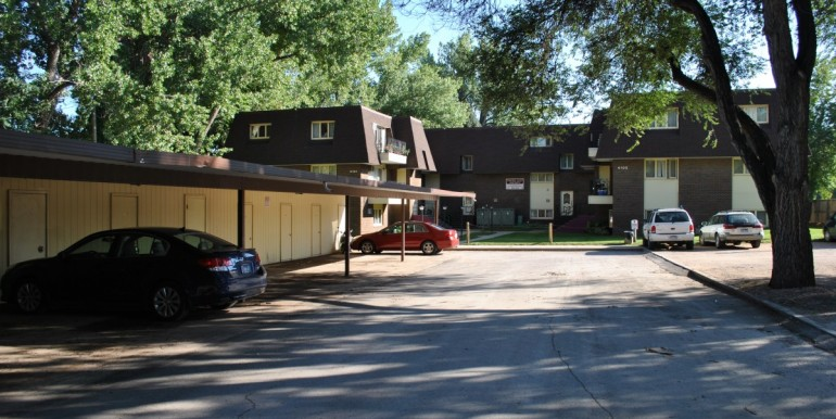 Fall 2011 Resid Parkview carport