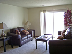 Vista Pointe furnished living rm 111005