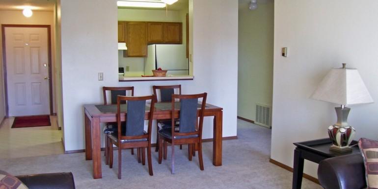 Vista Pointe living rm dining 111005